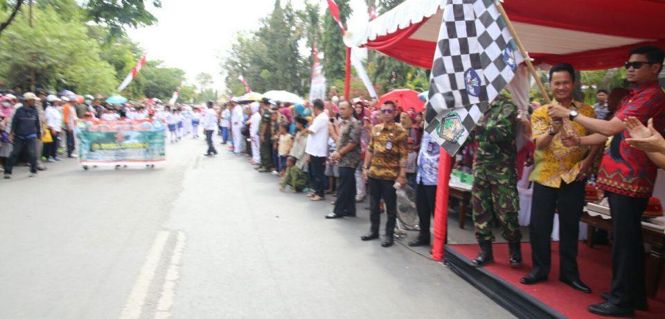 Adnan Lepas Ribuan Peserta Gerak Jalan Indah Pelajar