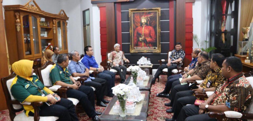 Giant Harap Adnan Resmikan Grand Opening Giant Ekstra
