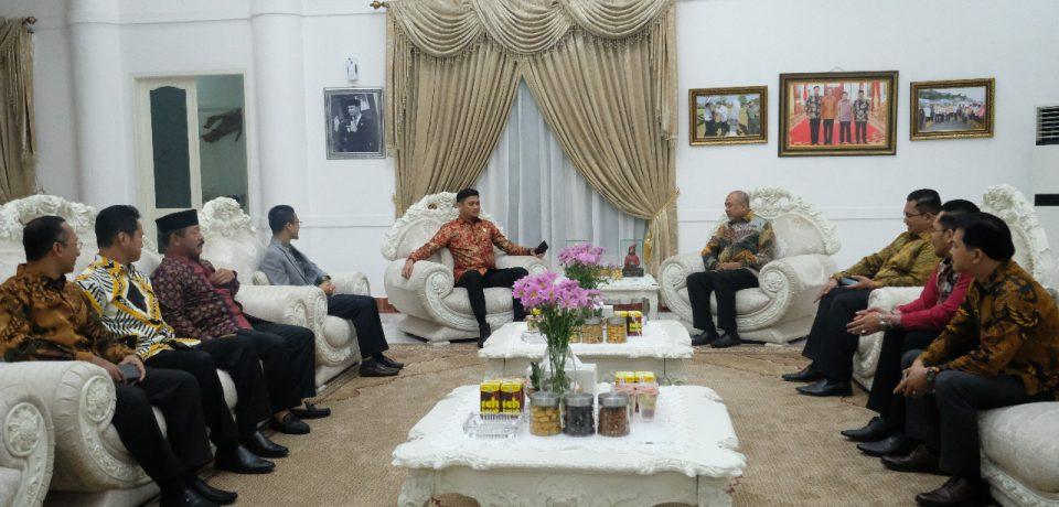 Adnan Jamu Makan Malam Rombongan Kelantan Malaysia