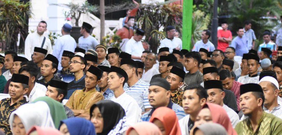 Hari Kelima Buka Puasa Bersama, Adnan-Kio Ajak Perangkat Desa dan OKP