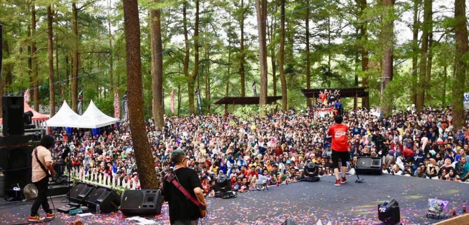Gigi Band Hibur Masyarakat Gowa di Beautiful Malino 2019