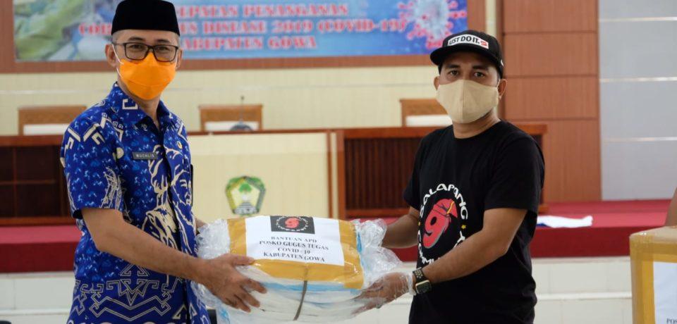 Salapang Community Serahkan Bantuan APD Ke Gugus Tugas Covid-19 Gowa