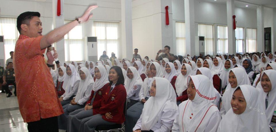 Ratusan Pelajar SMA Ikut Sosialisasi Bela Negara