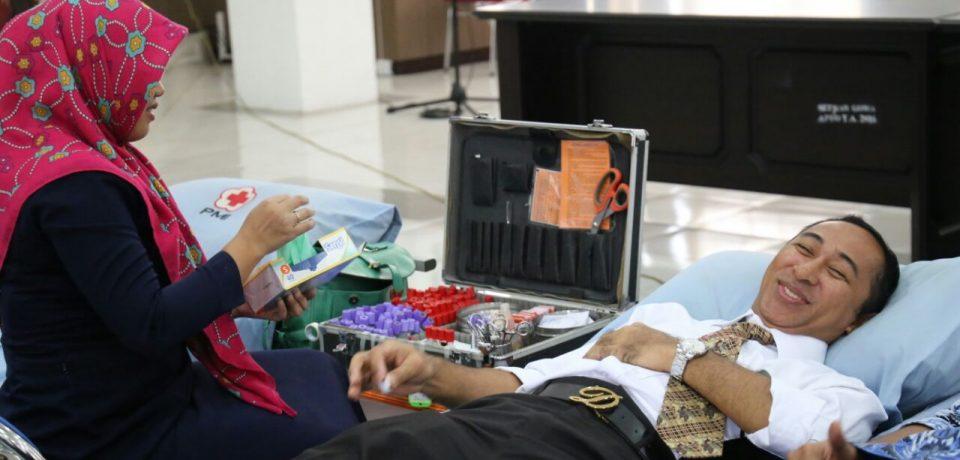 Pemkab Donor Darah di Hari Pahlawan