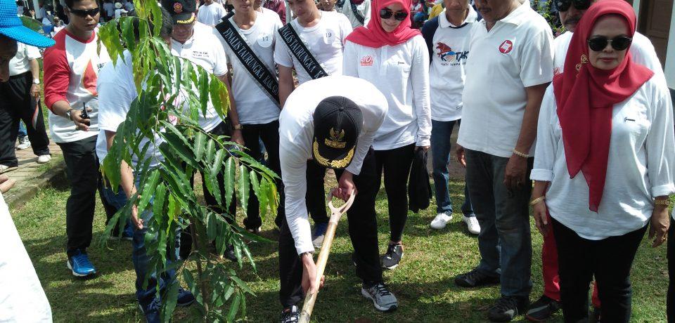 Pencanangan Ayo Gowa Bersih Diwarnai Penanaman Pohon
