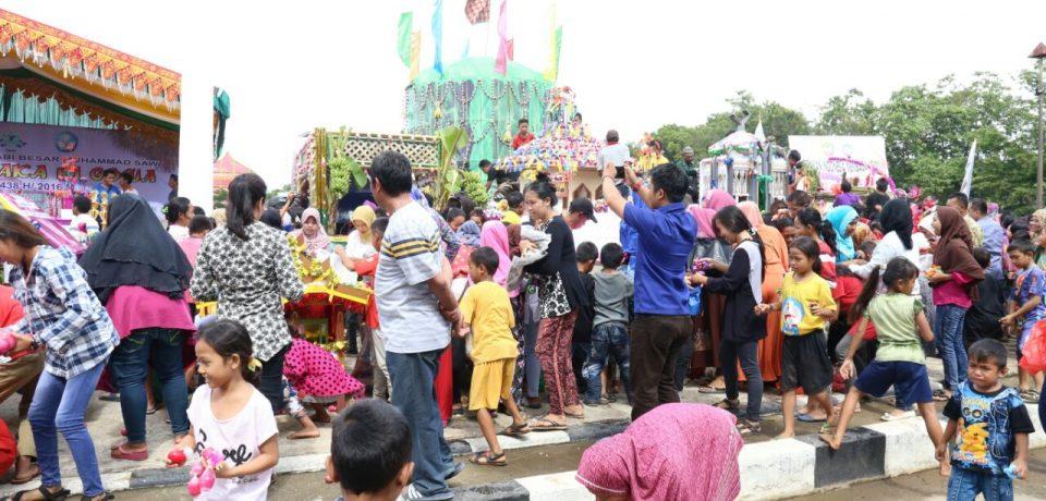 Ribuan Masyarakat Meriahkan Maudu Adaka Ri Gowa 1438 H