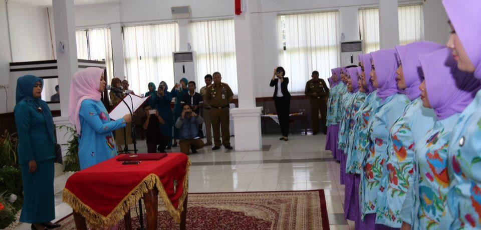Priska Adnan Lantik Ketua PKK Kecamatan Se-Kabupaten Gowa