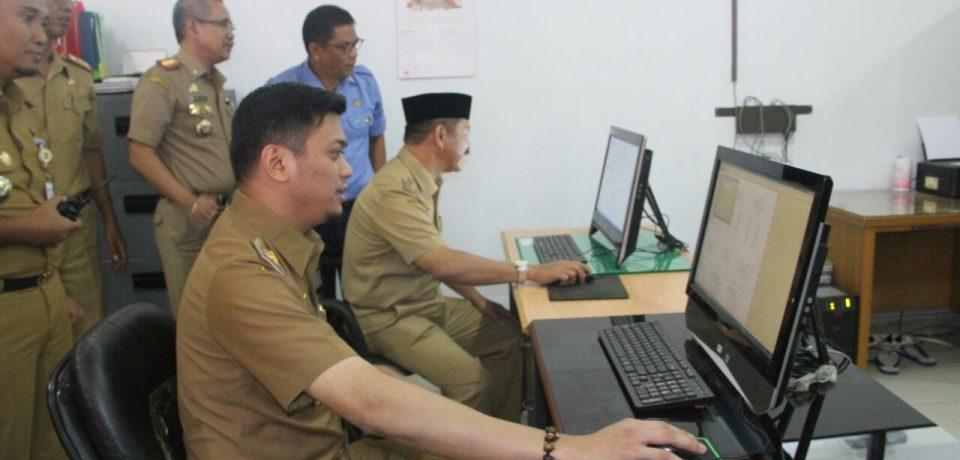Adnan Cetak Perdana SPPT Gowa