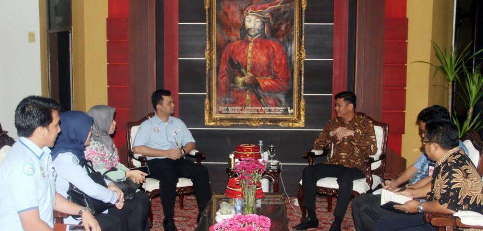 Adnan Kritik Sistem BPJS Saat Terima Kunjungan Kepala BPJS Makassar