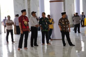 Pembersihan Masjid Agung