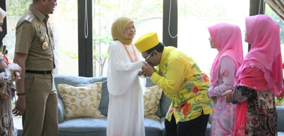 Tuanku Karameng Sakti Kunjungi Kediaman Nurhayati Yasin Limpo