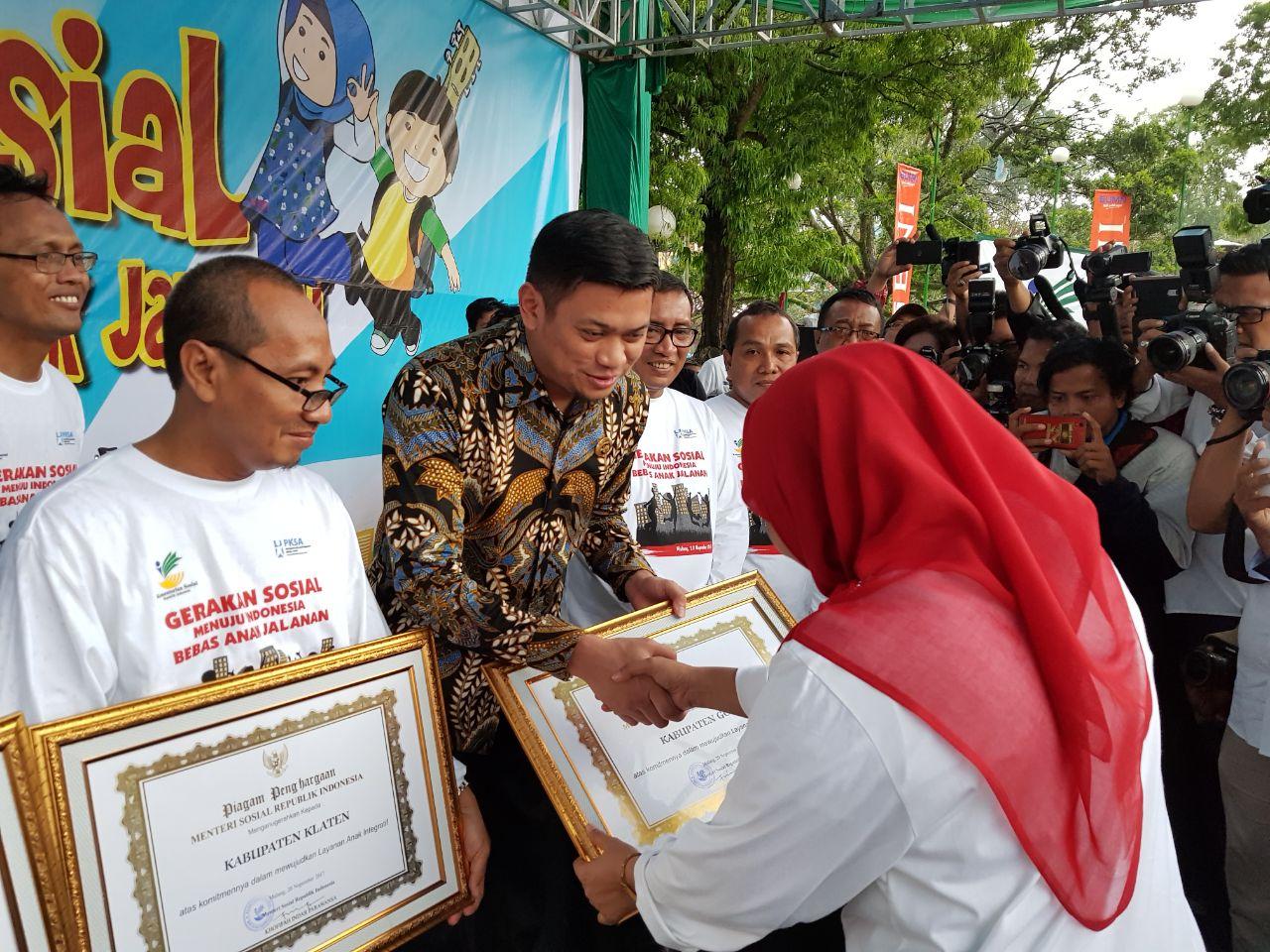 Terima Penghargaan LAI, Adnan Harapkan Peningkatan Pelayanan Anak