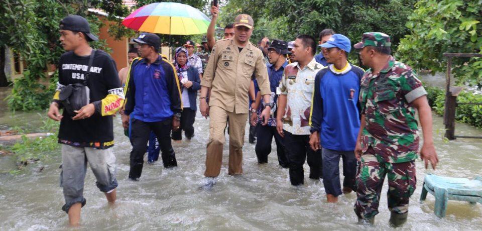 Bupati Tinjau Banjir di Somba Opu dan Barombong