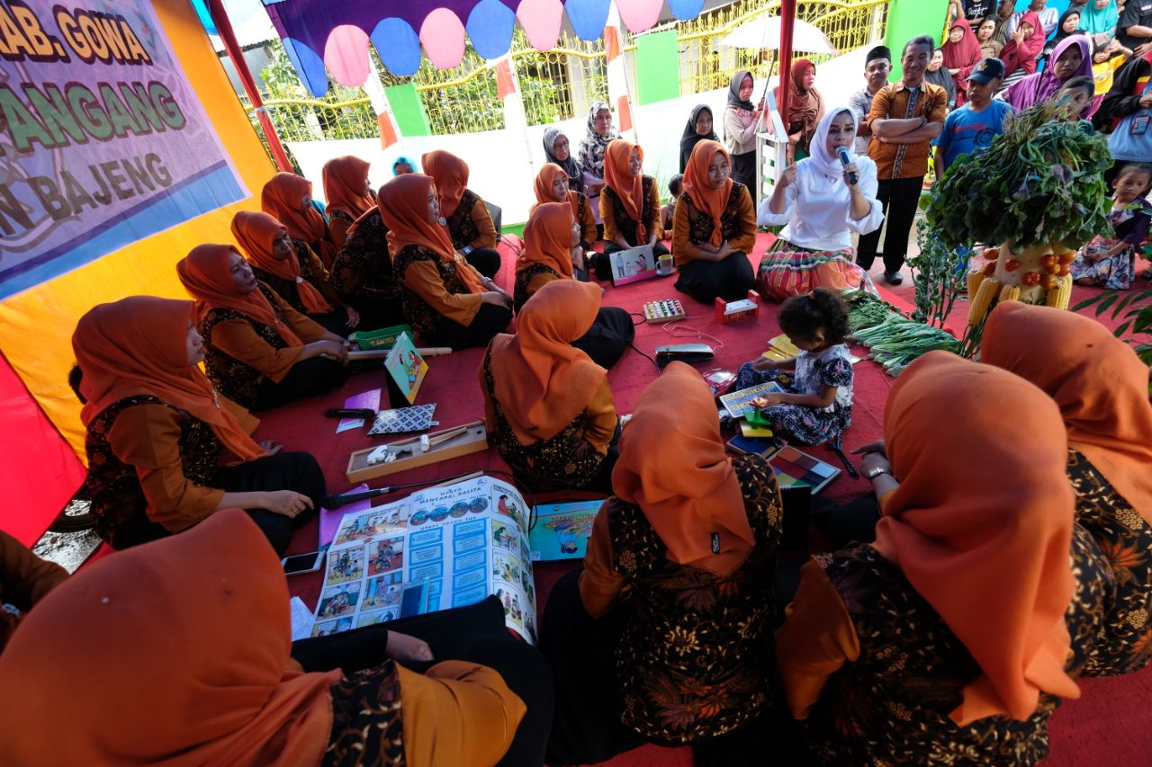 Priska Adnan Evaluasi 10 Program Pokok PKK di Kecamatan Bajeng