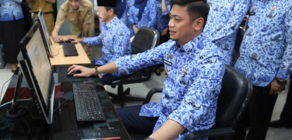 Adnan Cetak Perdana SPPT dan PBB-P2 Gowa Tahun 2018