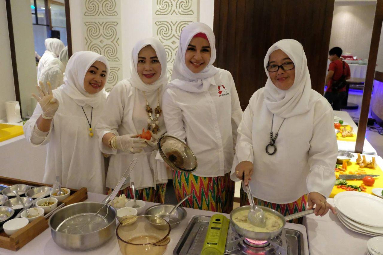 PKK Gowa Meriahkan Cooking Competition di Four Points Hotel