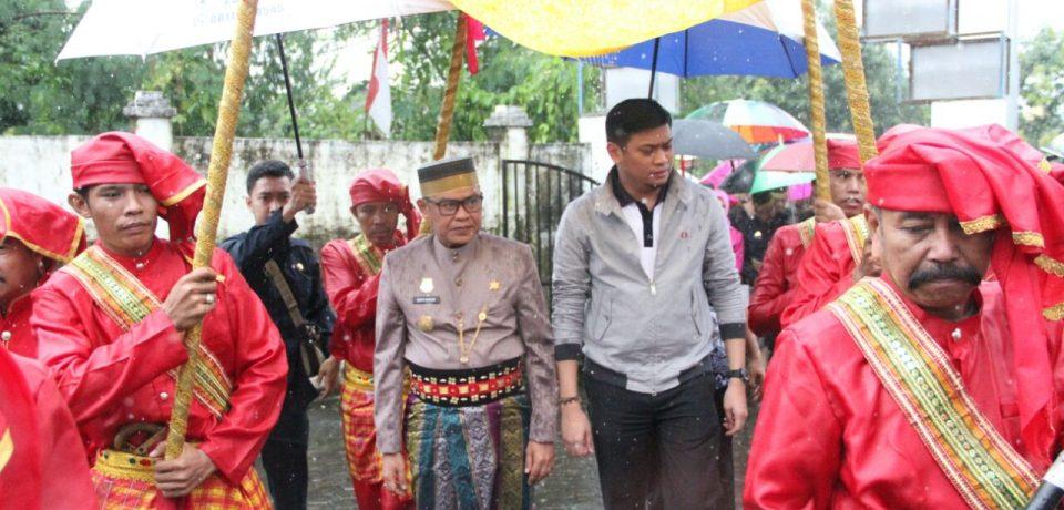 Adnan Dampingi Plt Bupati Bone Ziarah Makam Arung Palakka dan Sultan Hasanuddin