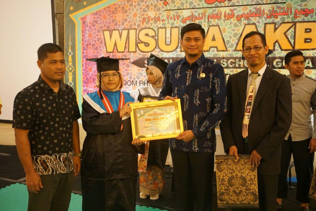 Adnan Hadiri Wisuda Akbar SIT Al-Fityan School Gowa