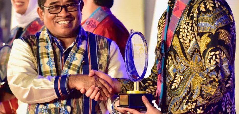 Adnan Raih Penghargaan KDI Award Bidang Sosial Budaya
