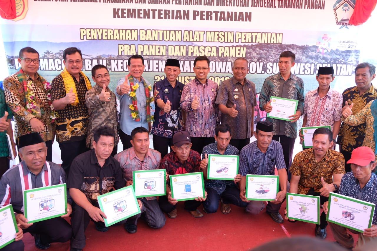 Kelompok Tani Gowa Dapatkan 130 Bantuan Alsintan dari Kementrian Pertanian RI