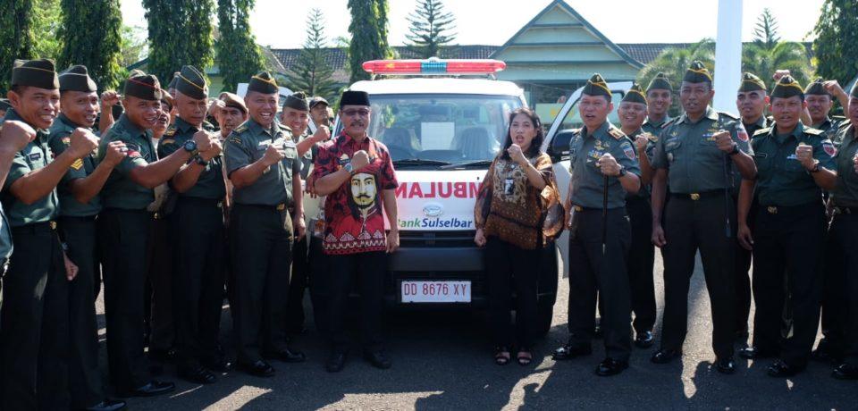 Serahkan Ambulance, Rauf:Ini sudah Komitmen Pemkab Gowa