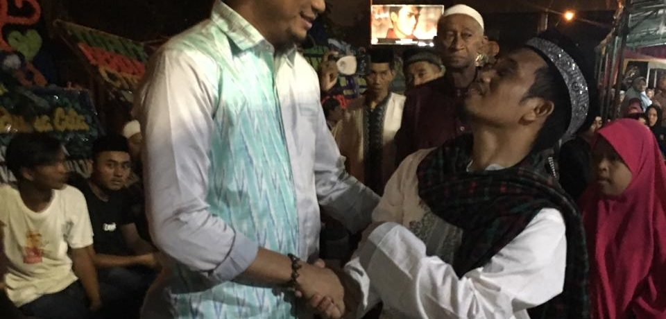 Adnan Hadiri Takziah Almarhumah Istri Ustads Maulana