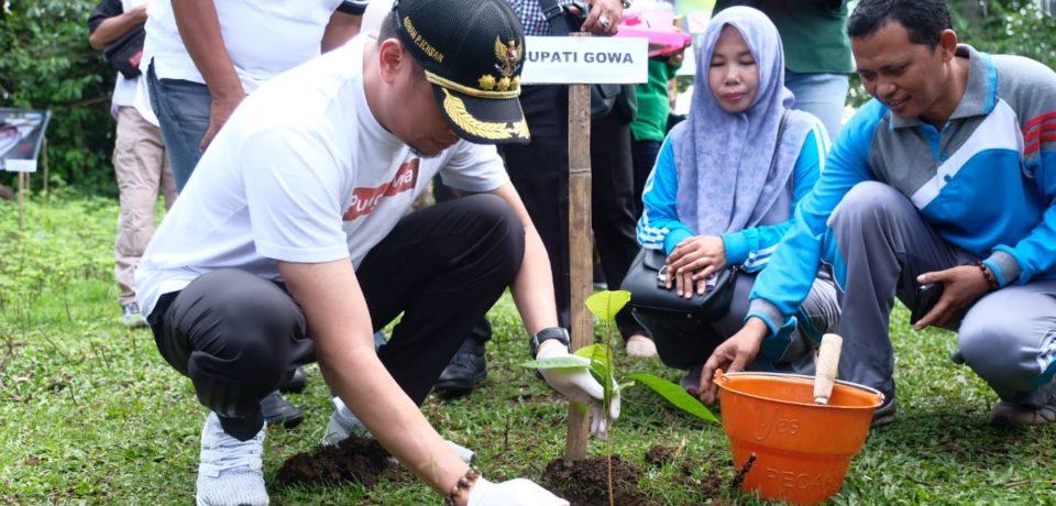 Ikut Gerakan Penanaman 30 Ribu Pohon, Adnan : Mari Jaga Alam Kita