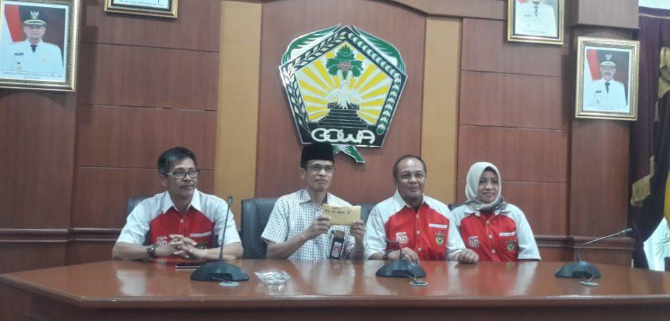 Alumni FH Unhas Angkatan 86 Salurkan Bantuan Untuk Korban Bencana di Gowa