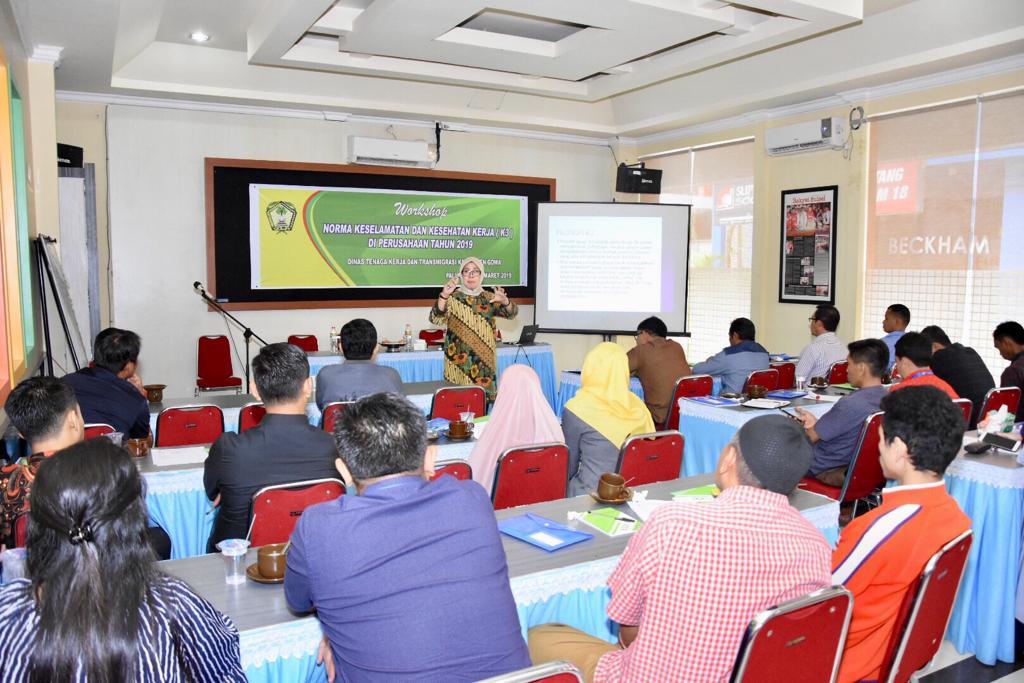 Disnaker Gowa Sosialisasikan Pemahaman K3 bagi Pengusaha dan Karyawan