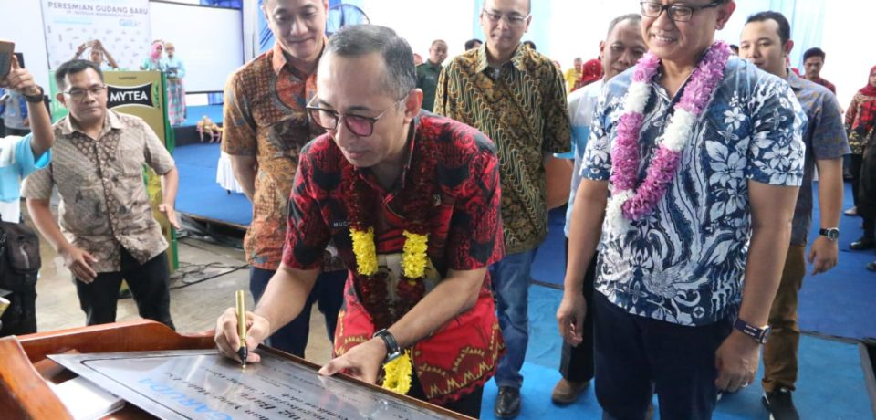 Muchlis Meresmikan Gedung Gudang Baru PT Suntory Garuda