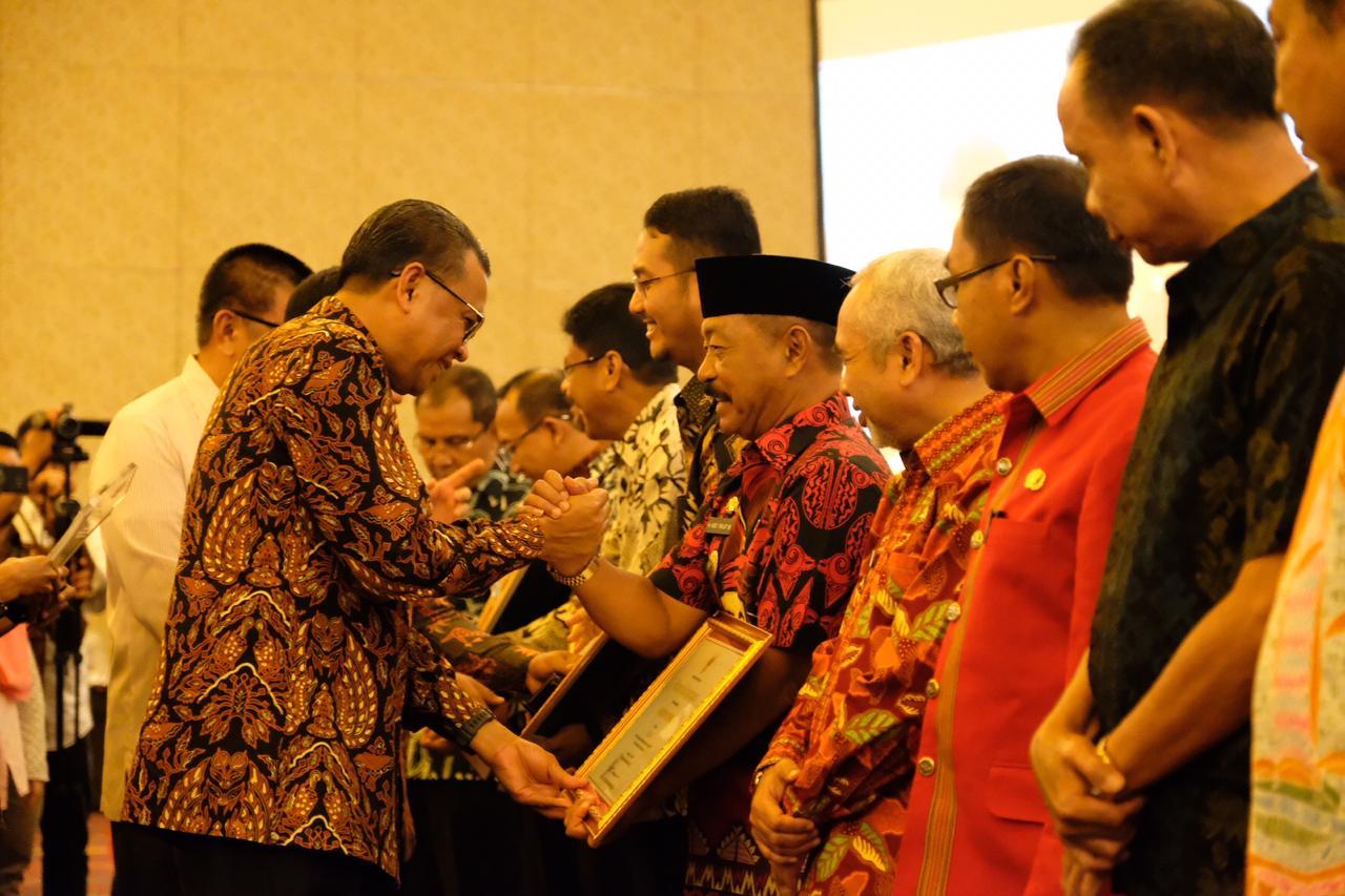 Pemkab Gowa Raih Penghargaan Pembangunan Daerah 2019
