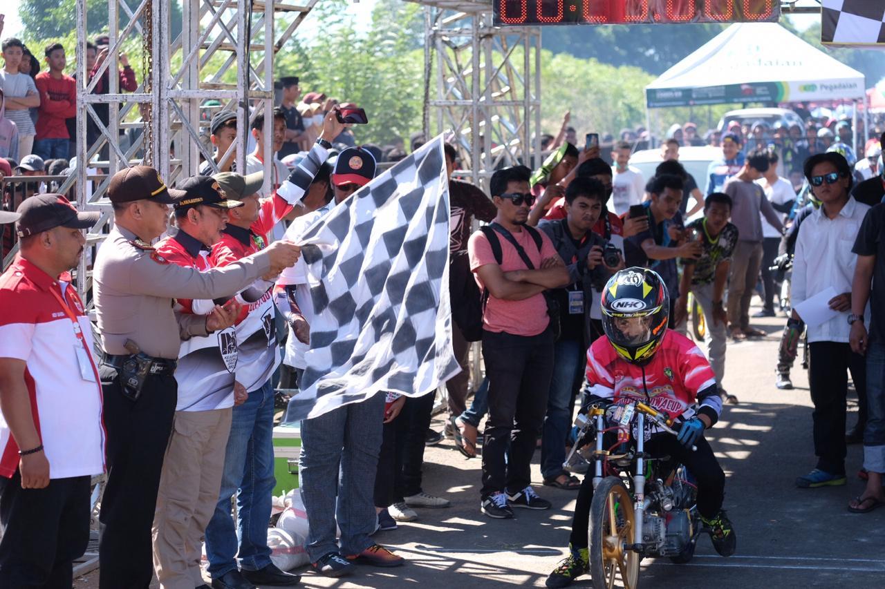 537 Starter Bertanding di Kejurnas Drag Bike Bupati Gowa Cup