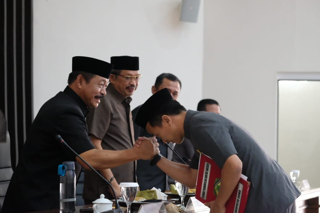 Tujuh Fraksi DPRD Gowa Terima Ranperda APBD Perubahan Pemkab Gowa 2019