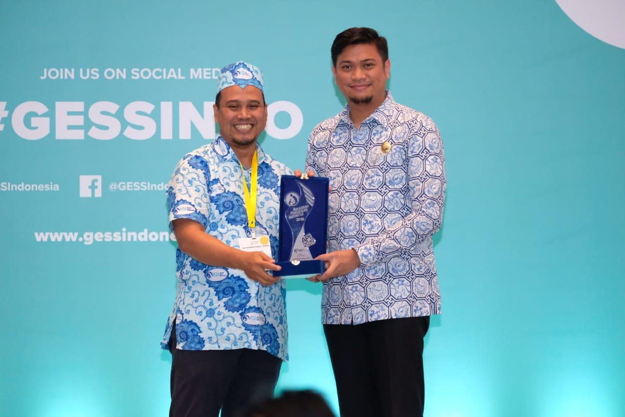 Bupati Gowa Terima Anugrah Pendidikan Indonesia dari IGI