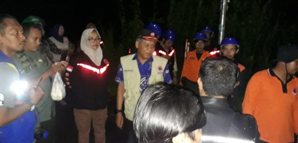 BPBD Gowa Serahkan Bantuan Bagi Korban Banjir di Pallangga