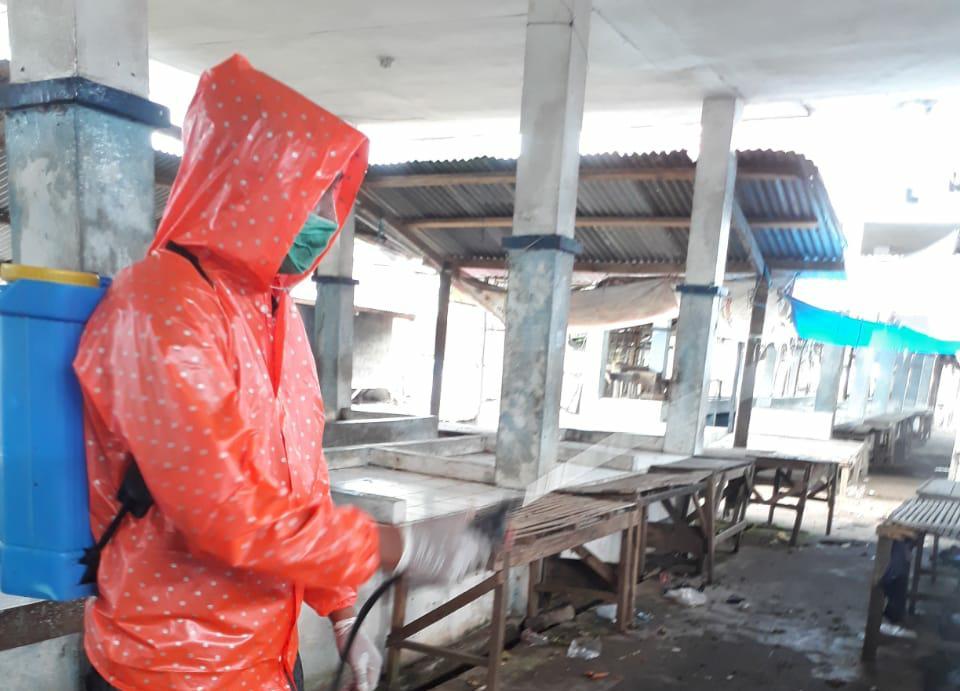 Dispedastri Gowa Target Minggu Ini Seluruh Pasar di Gowa Selesai Disemprot Disinfektan