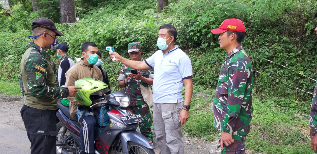 Batasi Pengunjung ke Malino, Camat Tinggimoncong Lakukan Pemeriksaan di Tiga Pintu Masuk