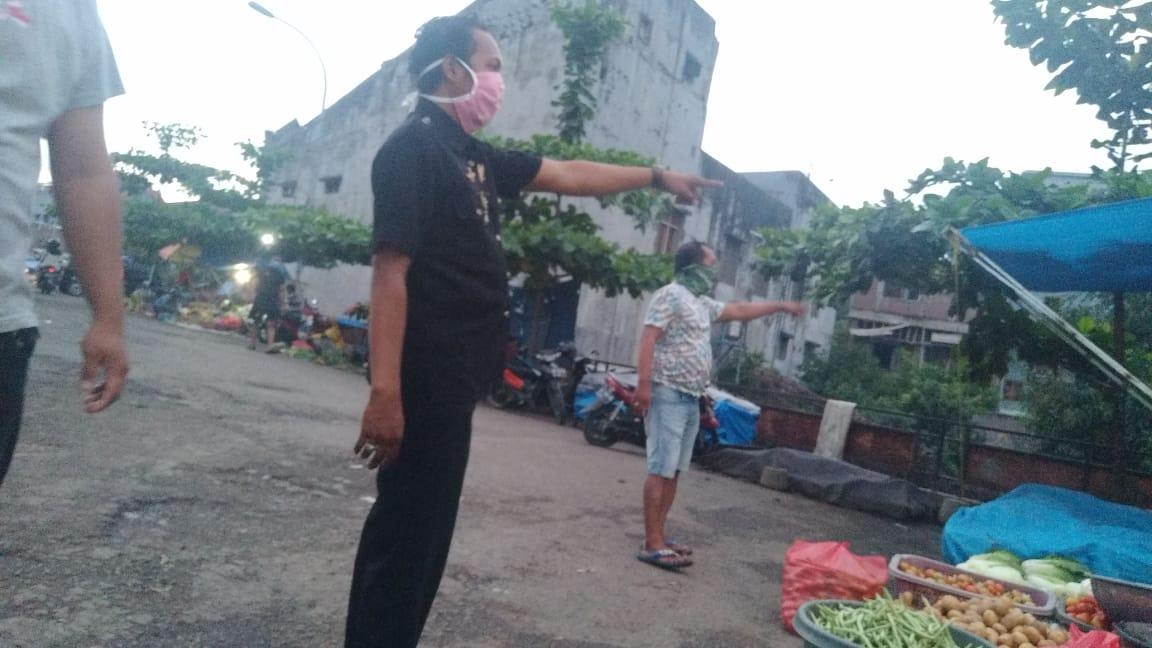 Pengelola Pasar Minasa Maupa Tutup Akses Bagi Pembeli yang Tak Gunakan Masker