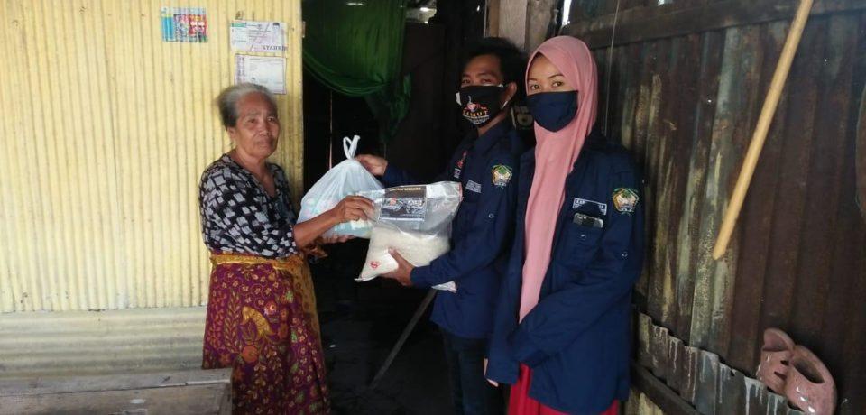 Dapur Umum Kecamatan Barombong Libatkan Organisasi Kepemudaan Distribusi Makanan