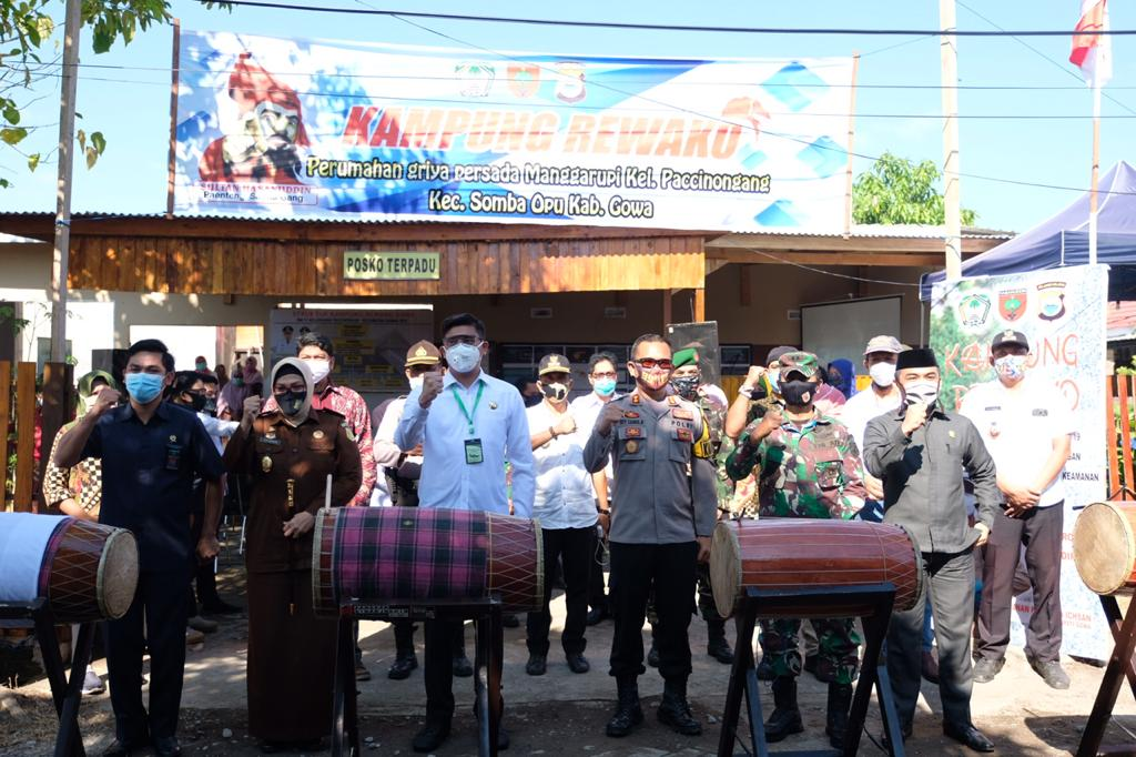 Bupati Adnan Launching Kampung Rewako Polres Gowa