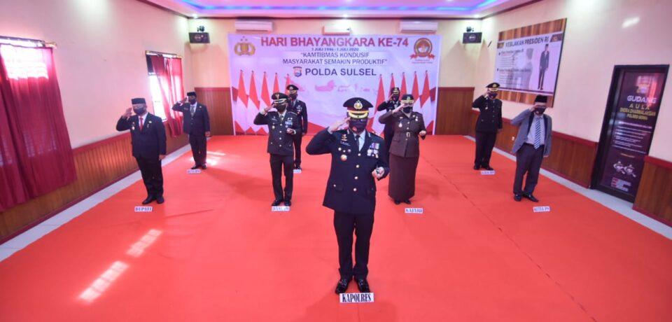 Wabup Gowa Hadiri Upacara HUT Bhayangkara Ke-74 di Mapolres Gowa Secara Virtual