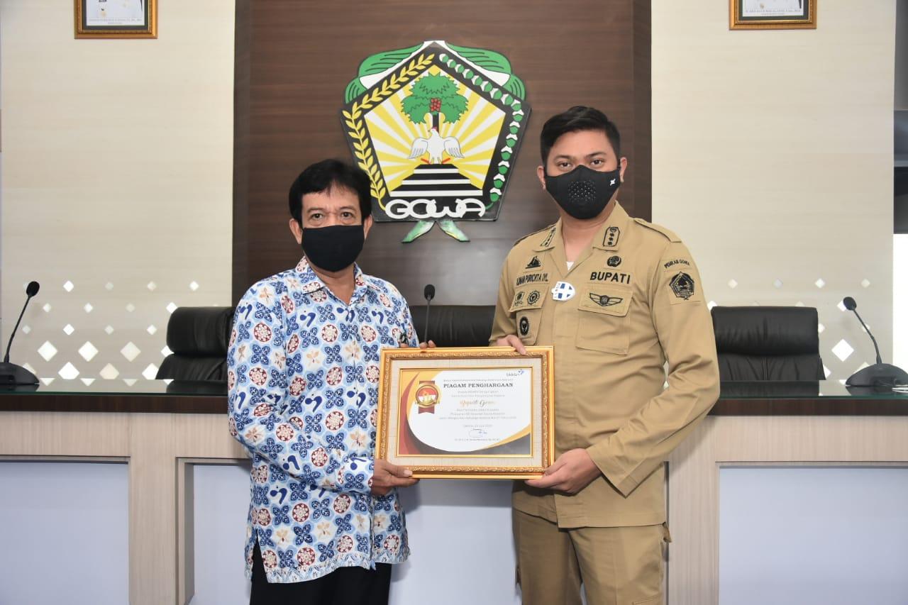Bupati Gowa Terima Penghargaan dari BKKBN Pusat