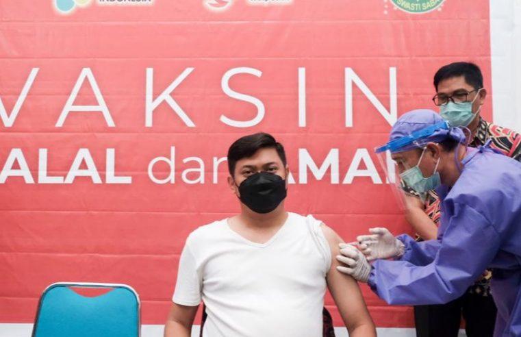 Ikut Vaksin, Adnan Ajak Masyarakat Sukseskan Vaksinasi