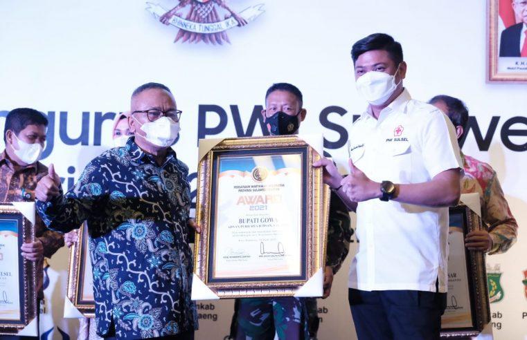 Adnan Raih Penghargaan Peduli Pers dari PWI Sulsel