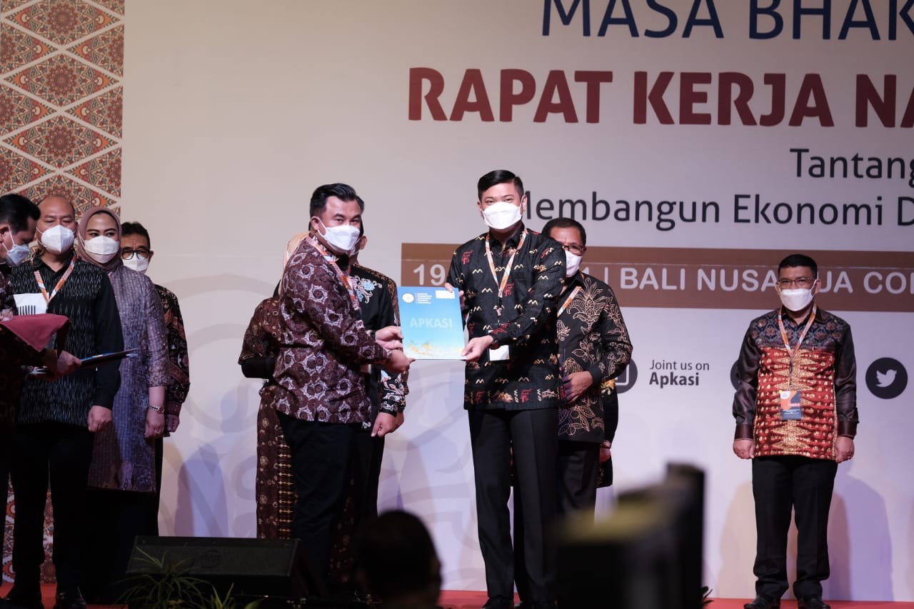 Bupati Adnan Resmi Jabat Sekjen APKASI 2021-2026